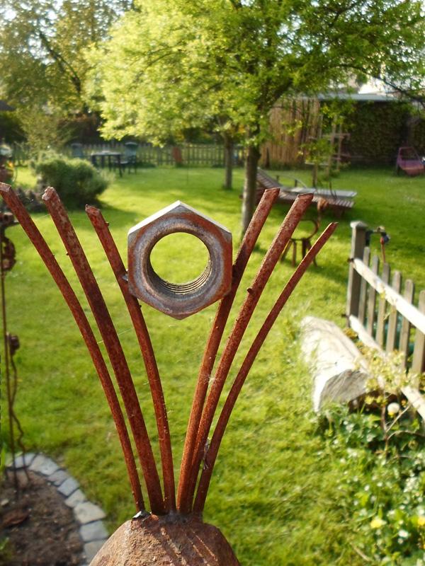 Betonskulpturen und schrottplastiken kunstst cke f r garten for Metallskulpturen garten